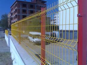 Hàng rào sắt nhà xe
